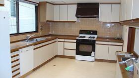M Mansion - Kitchen
